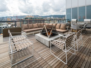 Amazing Overton Street Apartment by Stay Alfred, Portland