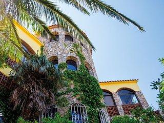 """Villa """"El Capricorno"""" à Pals avec vue imprenable sur la mer Méditérranée."""