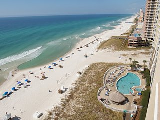 NEW LISTING! Gorgeously Decorated Oceanfront Condo at Emerald Beach Resort., Panama City Beach