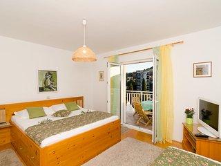 Villa Mar - Superior Two-Bedroom Apartment with Balcony