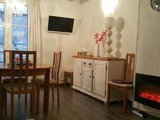 Salle à manger - Cheminée électrique décorative avec chauffage d'appoint