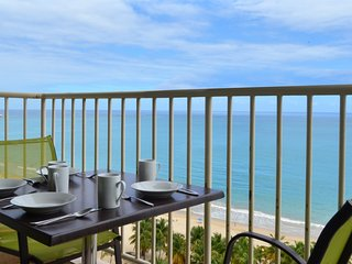 ibWater and Electricity Available!Fantastic View-Direct on Isla Verde Beach