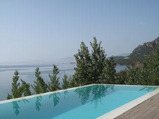STUNNING LUXURY BEACHFRONT VILLA WITH AMAZING VIEWS OVER THE IONIAN SEA, Palairos