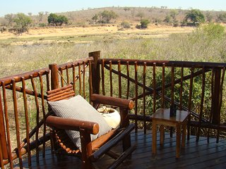 Majuli River View Lodge in Marloth Park overlooking Kruger Park