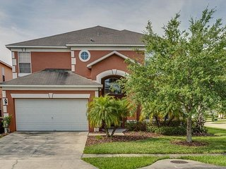 Paradise Vacation Pool Home 6 BR/6BA, Kissimmee