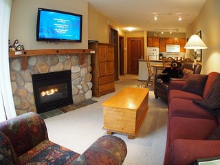 Fireside Lodge Village Center - 319, Sun Peaks
