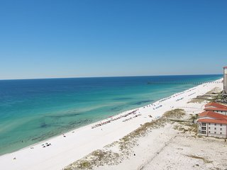 Luxurious, 2br/2bth 16th Floor Gulf front condo at Emerald Isle Resort, Pensacola Beach