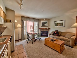 Hearthstone Lodge Village Ctr - HS306, Sun Peaks