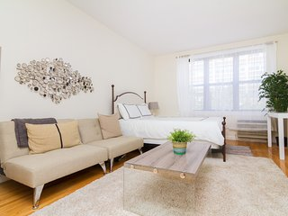prime village~Newly reno Studio~Great value~3 blocks from union square!