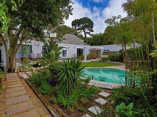 """Cottage Sauvignon at """"Constantia Cottages"""""""