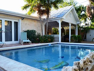 P100~Key West 3 Bedroom Pool Home