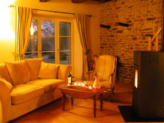 Christmas is coming - enjoy cozy, happy times in eco-gite, nr St Malo, Dinan