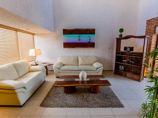 Luxury Residence!! Hotel Zone- beach access, Cancun