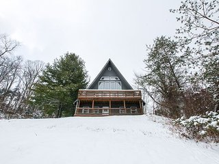 Hocking Hills Lodge Rental for Large Families, Logan