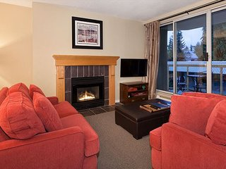 Woodrun Lodge #211 | 2 Bedroom & Den, Ski-In/Ski-Out Access, Shared Hot Tub, Whistler