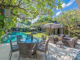 Chimera Villa - 3 Bedrooms Seminyak-Bali