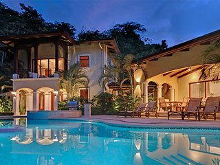 Luxurious and Private Jungle Retreat - Casa Tropical! ~ RA73982, Herradura