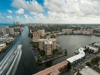 Luxurious Studio Intracoastal Waterway View