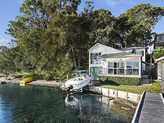 Watersedge on Lake Macquarie, Carey Bay