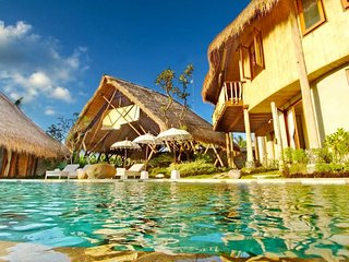 Omah Padi Villa - Ubud, A 5 Bedrooms Villa with Rice Field View