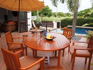 Tropicana Villa con piscina 3 camere da letto, Rayong