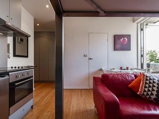 Short Stay Apartments St Kilda - Beach House on Acland 1