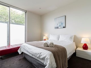 Furnished Apartment St Kilda - Beach House on Bless 2