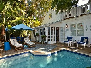 BEACH CLUB BREEZE -  Private Heated Pool, Sun Deck & BBQ Grill, Key West