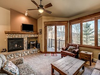 3BR, 3BA Steamboat Springs Condo w/ Fireplace, Deck, Pool and Hot Tubs