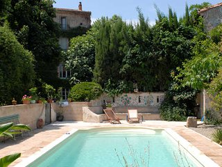 Maison Verte holiday gites in France with pool sleeps 2, Roujan