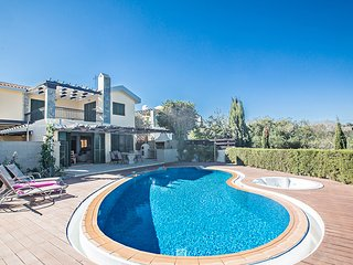 Superb Villa with large Private Pool