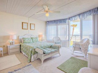 Direct Ocean Front SE Ground Floor Unit-Easy Accessibility & Just Steps to Pool, Ocean in DB Shores!, Daytona Beach Shores