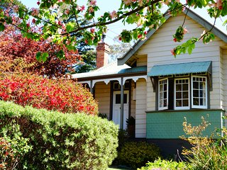 Tullamore exceeds the expectations of the standard Blue Mountains accommodation, Blackheath