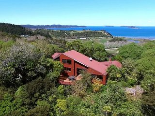 The Lodge at Barn By The Sea, Kawau Island