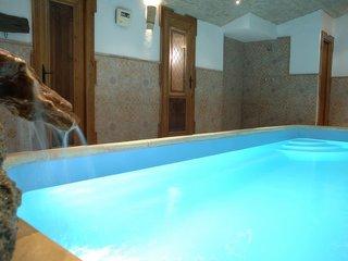 Alojamiento rural con piscina climatizada y sauna. Grazalema (Cádiz).ANDALUCIA