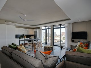 Devils's Peak luxury 2 bedroom vibe with panoramic views of city and mountains