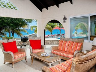 """""""FANTASTIC OFFERS PLEASE ENQUIRE FOR MORE"""" Baie Longue Beach House - 3 Bedrooms"""