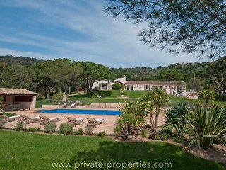 Luxury villa Fontant with private pool and tennis court!, Ramatuelle