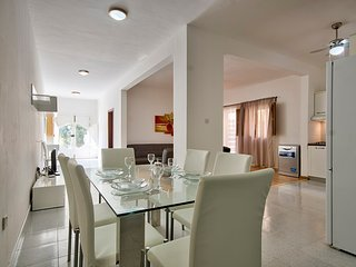 St Julians Hill 4-bedroom Maisonette, Saint Julians