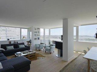 Restelo Light apartment in Belém {#has_luxurious_…, Algés
