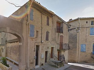 Holiday cottage, France, near Pezenas from €250pw sleeps 4