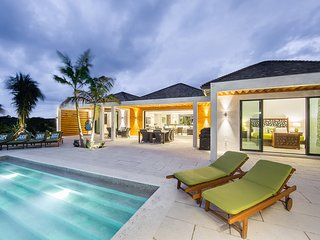 6 BR Ocean Front-Brise De Mer BeachVillas-Inf.Pool, Long Bay Beach