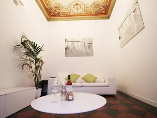 Elegant 2BR Apartment by the Spanish Steps