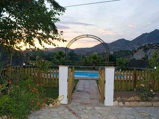 Acogedora casa rural en Zahara de la Sierra,(Cadiz) ANDALUCIA