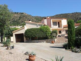 Casa Maria-Espaciosa villa con jardin privado y piscina