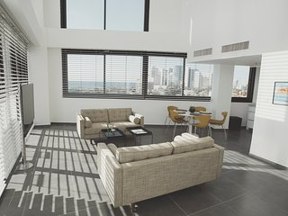 Luxury Duplex Neve Tsedek, 3BR, Pool,GYM, Parking, Jaffa