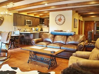 Val d'Isere Getaway - Listing #211, Mammoth Lakes