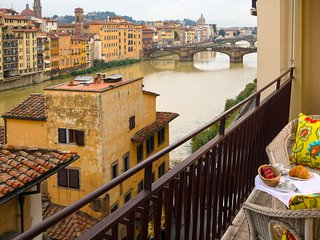 Perfect Arno RiverViews-Wonderful Terrace-Ponte Vecchio-Terrace-Luxury-Memoria