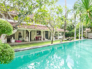 Designer Luxury Retreat - KuDeTa / Seminyak