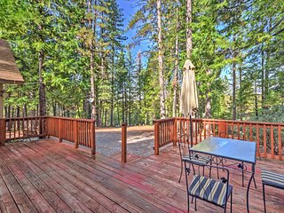 NEW! Peaceful 2BR Arnold House w/ Spacious Deck!